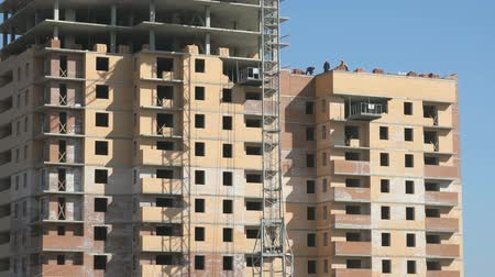 ипотека : The construction of an apartment building