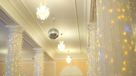 привело : Hall decoration for wedding celebrations indoors