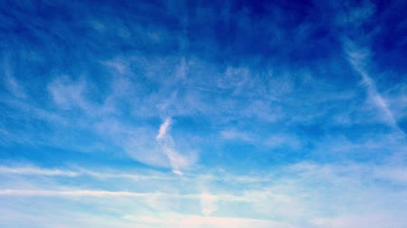 puffing : Flying in a blue sky with fluffy clouds - Time lapse Stock Footage