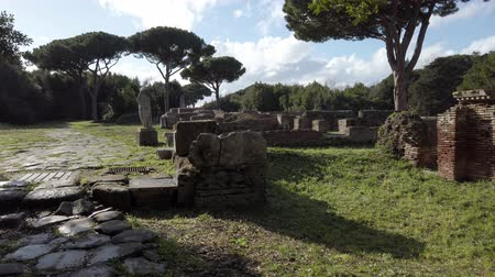 representação : Overview in the necropolis of the archaeological excavations of Ancient Ostia