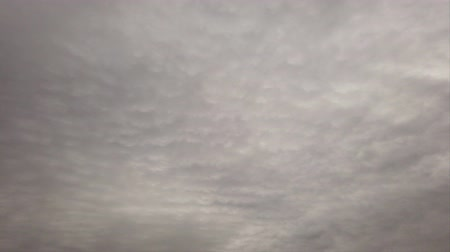 srážky : Time lapse clouds covered with dark gray nimbostratus moving in the air Dostupné videozáznamy