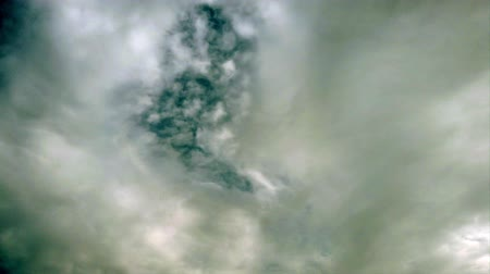 pelyhes : Awesome cloudy sky with sunbeams in the air in a enveloping atmosphere