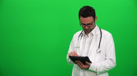 Doctor Presenting With Digital Screen. Right Side. Vídeos