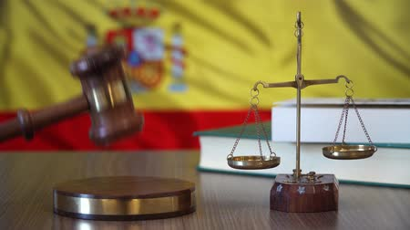 sala de tribunal : Justice for Spain Laws in Spanish Court
