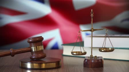 sala de tribunal : Justice for Britain Laws in British Court Stock Footage