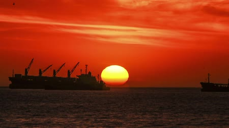 Cargo Ships at Sunset Paning, Chile Timelapse.