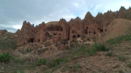 erozyon : Time Lapse Cappadocia view, Turkey. Ancient cave monastery of Zelve.