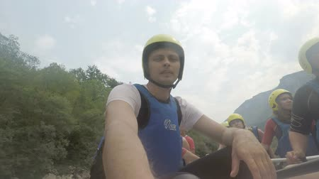 yaşama gücü : RIVER TARA, MONTENEGRO - August 20, 2017: group of people during rafting on river Tara Stok Video