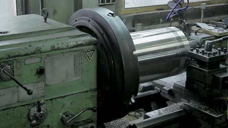 aparas de madeira : cylinder grinding. the process of grinding large metal cylindrical parts in production
