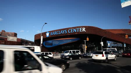 kalça : Barclays Center in Brooklyn