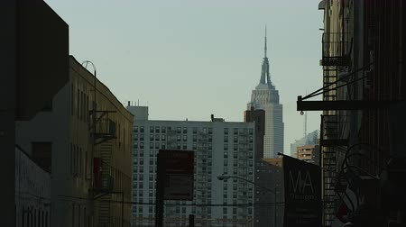 império : Empire State Building as seen from Dumbo Brooklyn Stock Footage