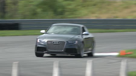 prova : An Audi S8 Races Around a Test Track Stock Footage