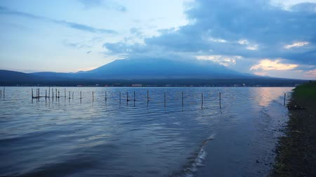 nihon : Mount Fuji on dusk with lake Yamanaka