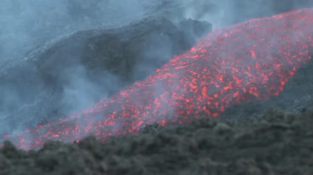 elnök : Lava flux of Mount Etna in July 2014