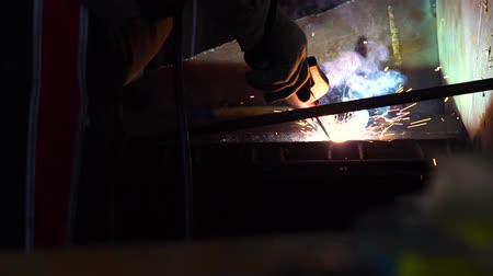 laboring : welding iron sparks