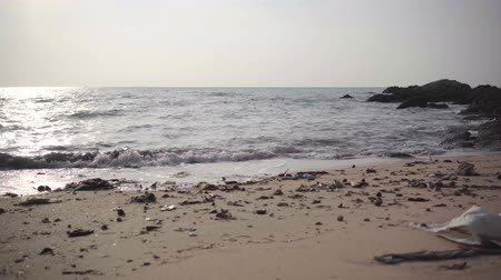 hijenik olmayan : dirty littered beach and sea. environmental pollution. ecological catastrophy. 4k
