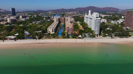 провинция : Ariel view Seascape Beach at Hua Hin in Prachuap Khiri Khan Province, Thailand, view top Hua hin beach Стоковые видеозаписи