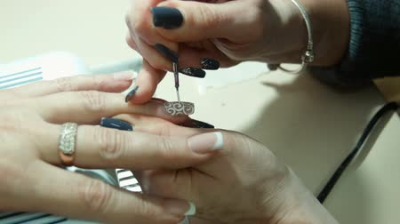 paznokcie : Nail art. Manicure making. Wideo