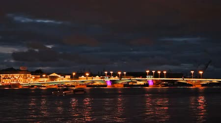 святой : Blagoveshchensky (Annunciation) Bridge at night. Timelapse. St Petersburg, Russia Стоковые видеозаписи