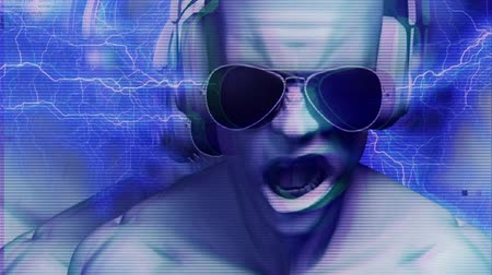 кричать : 3D man with headphones AND sunglasses with noise, glow, electrical arcs and light streaks. HD 1080 Seamless Loop. Стоковые видеозаписи