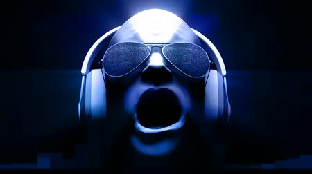 çığlık atan : 3D man with headphones AND sunglasses spinning with noise, glow and light streaks. HD 1080 Seamless Loop.-