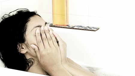крик : Young woman crying in bath tub slow motion