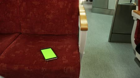 perdido : Lost smart phone in the train