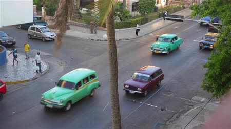 kuba : Cars in a street of La Habana, Cuba