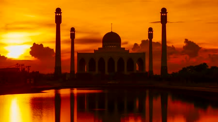 mesquita : Sunset At Mosque Of Songkla Province, Thailand