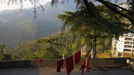 tibeti : Background about buddhism, prayer mills in buddhist monastery