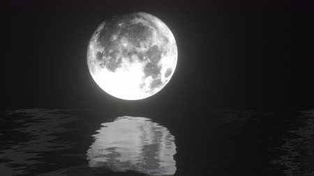 полночь : UHD combination of the live footage and 3D animation of a moon waterscape