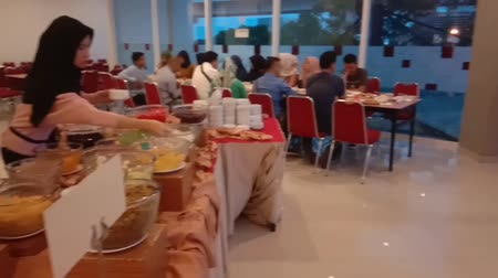 iftar : Indonesia, 01 June 2019:People are enjoying break fasting at the Amaris Hotel Palembang (Buka Buasa Bersama)