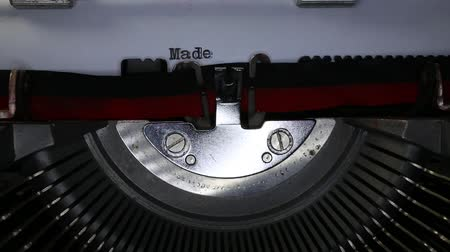 készült : TYPEWRITER with written Made in Italy in the paper Stock mozgókép