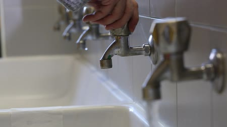 Many taps in the bathroom Stok Video