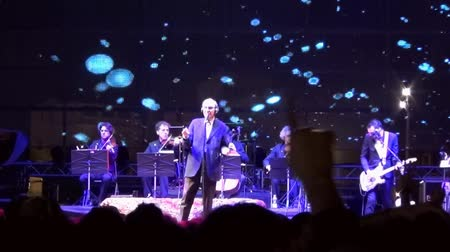 cümbüş : Singer Franco Battiato in concert Stok Video