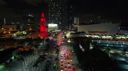 drone miami : Aerial shot traffic Miami approaching the American Airlines Arena Stock Footage