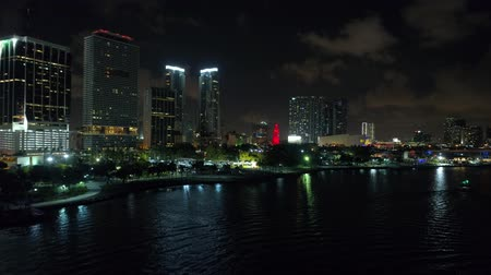 Luchtfoto benadering Downtown Miami 4k