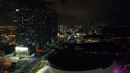 арена : Night aerial footage Downtown Miami Стоковые видеозаписи