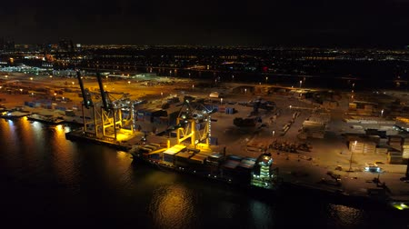 oldalt : Sideways motion Port Miami FL at night aerial video