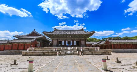 tradicional : Timelapse of Myeongjeongjeon, main hall of Changgyeonggung palace. The palace was built by King Sejong and was one of the five grand palace of Joseon dynasty.