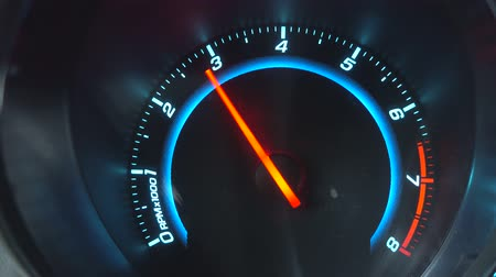 mph : Movement of an arrow of the tachometer Stock Footage