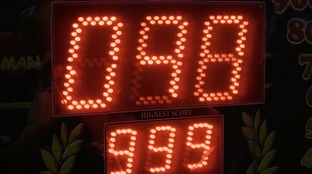 The electronic Board of the gaming machine shows the number of points scored.