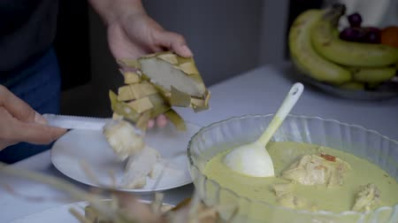 ziyafet : ketupat for eid mubarak celebration Stok Video