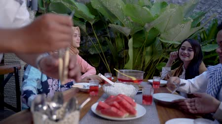 lebaran : Happiness of friendship when enjoy eating iftar together