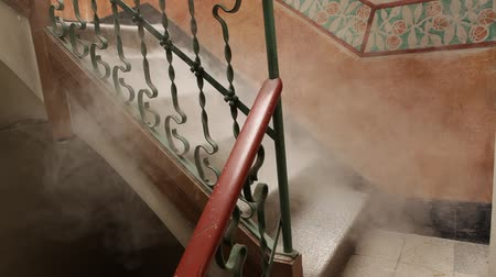 assombro : Ghostly Smoke In The Stair Vídeos
