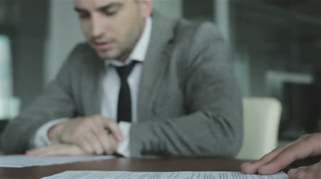 jurist : Business people are preparing for the signing of the contract. Stock Footage