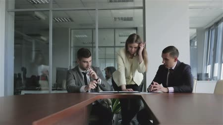 jurist : Working day in the office. Young beautiful staff work with documents. Stock Footage