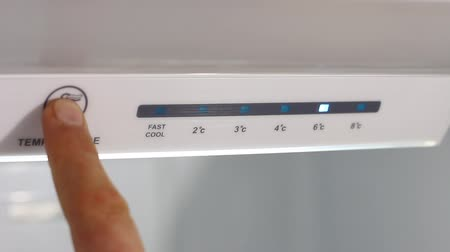 kondenzátor : Refrigerator Temperature Controls. Refrigerator Adjusting Temperature Controls. Temperature down Dostupné videozáznamy