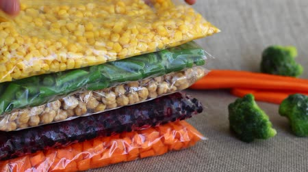 blanching : Freezer safe bags. Packing Vegetables for Freezing