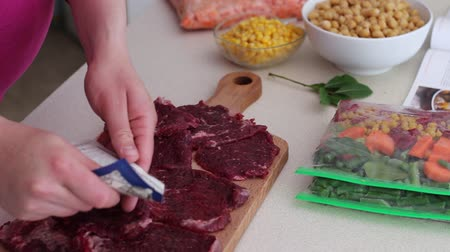 konzervace : Beef steaks. Make ahead freezer meals for a month
